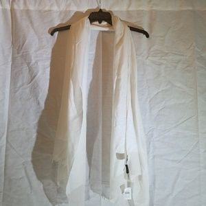 Off white/ eggshell Ann Taylor scarf. NWT